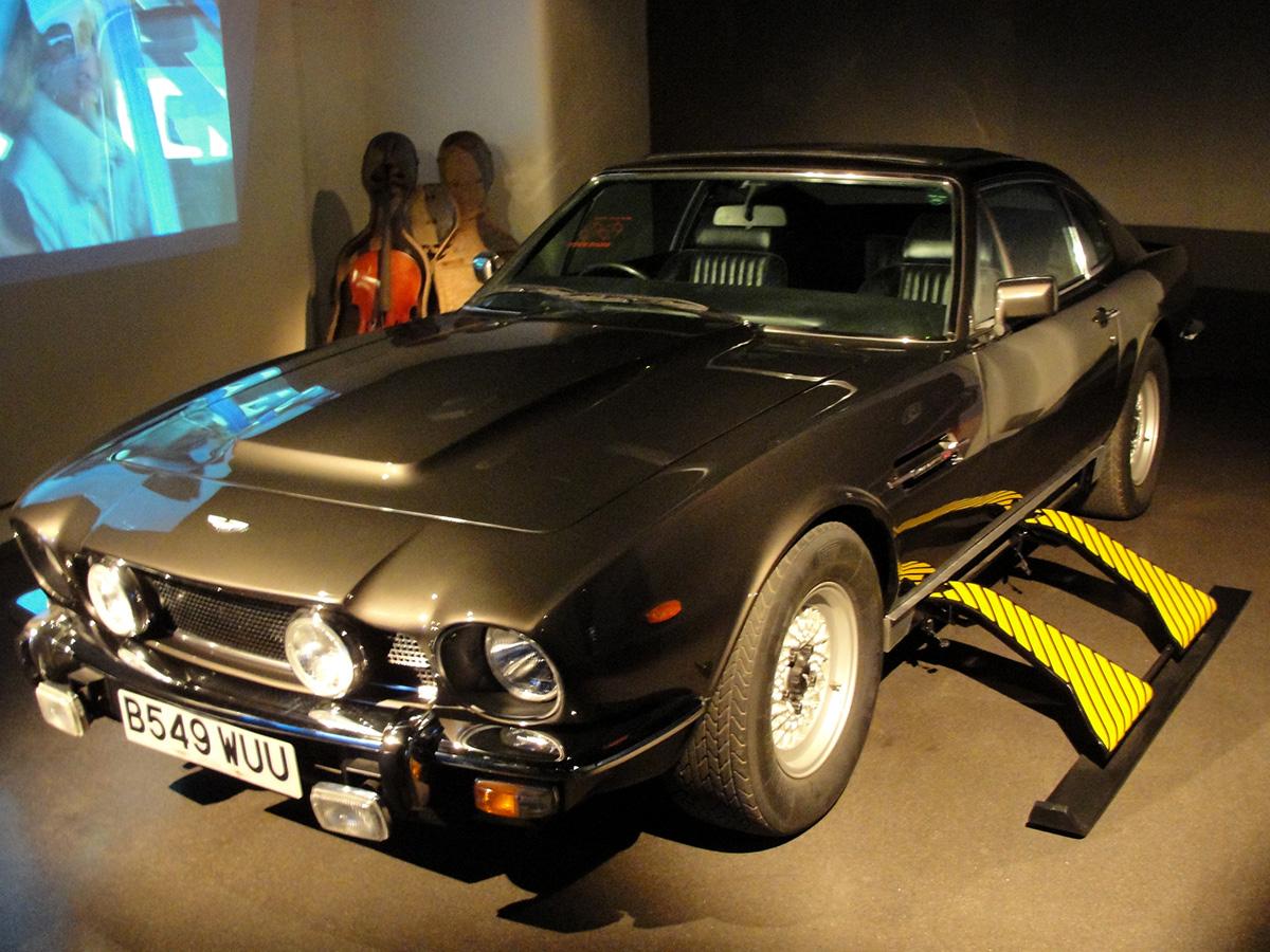 TLD - Aston Martin V8 Vantage