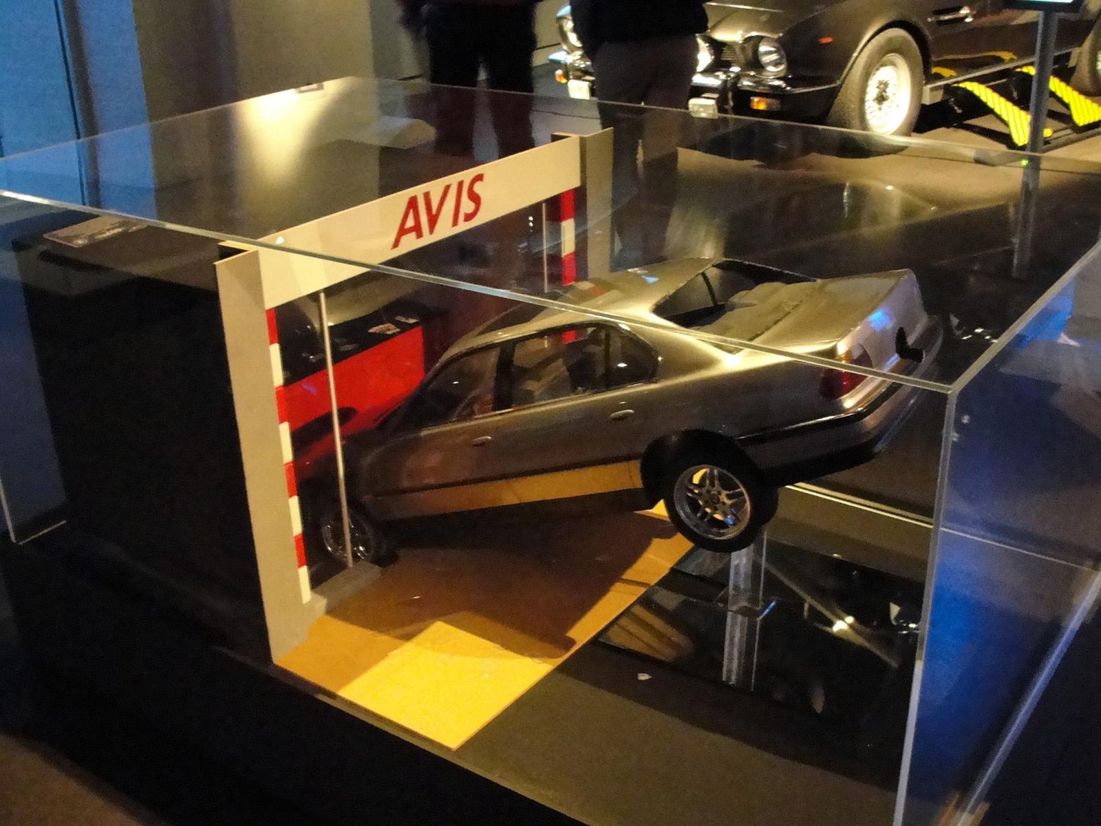 TND - BMW 750 miniature