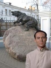 Ярославль Посетил красивый город, проверил готовность к юбилею, щелкнул себя у памятника...