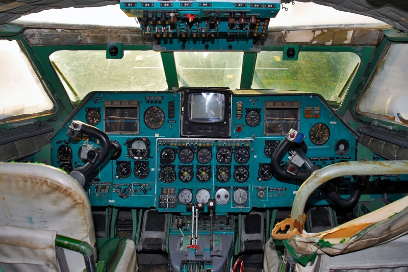 cockpit.thumb.jpg.da5b916e74feb49f8960ed